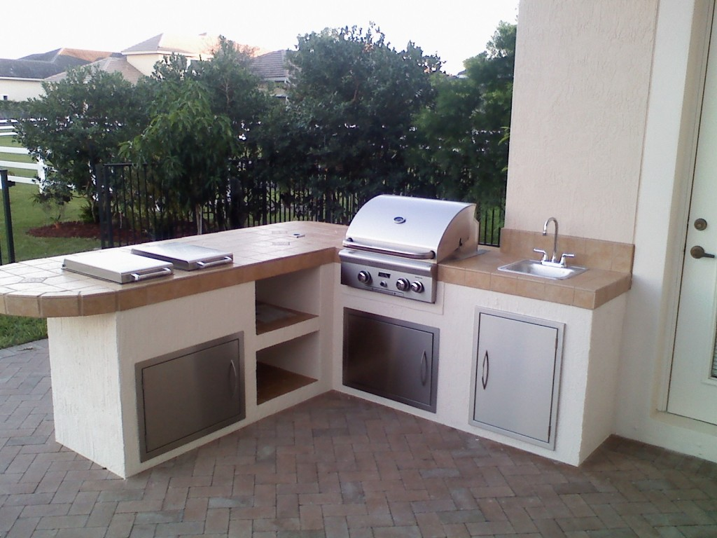custom outdoor kitchen grill island with built in grill and two side burners