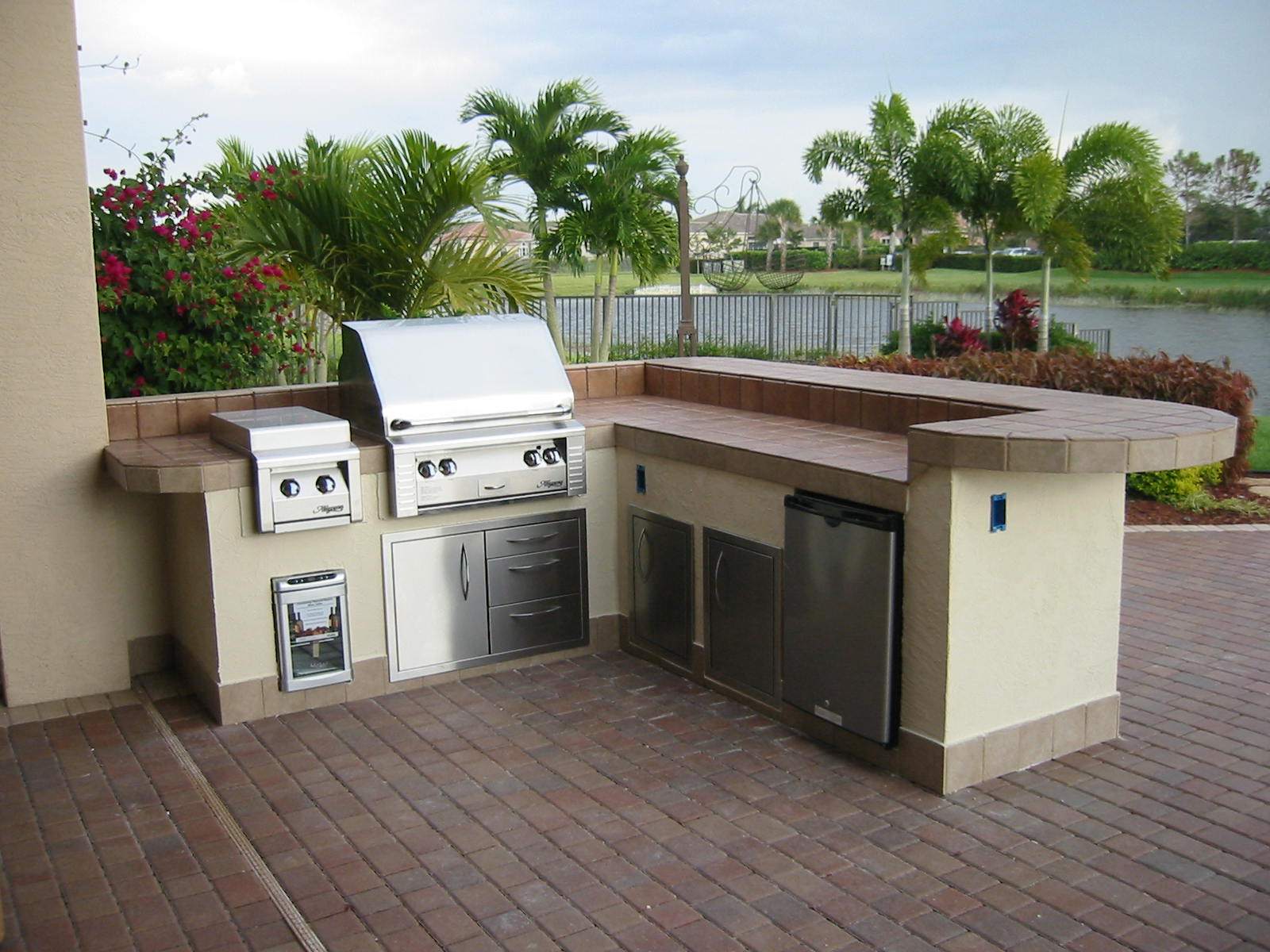 Magnificent Florida Outdoor Kitchens and Designs 1600 x 1200 · 249 kB · jpeg