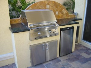 Custom outdoor kitchen built in bbq grill island